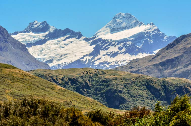 mount aspiring nationalpark huegel und berge
